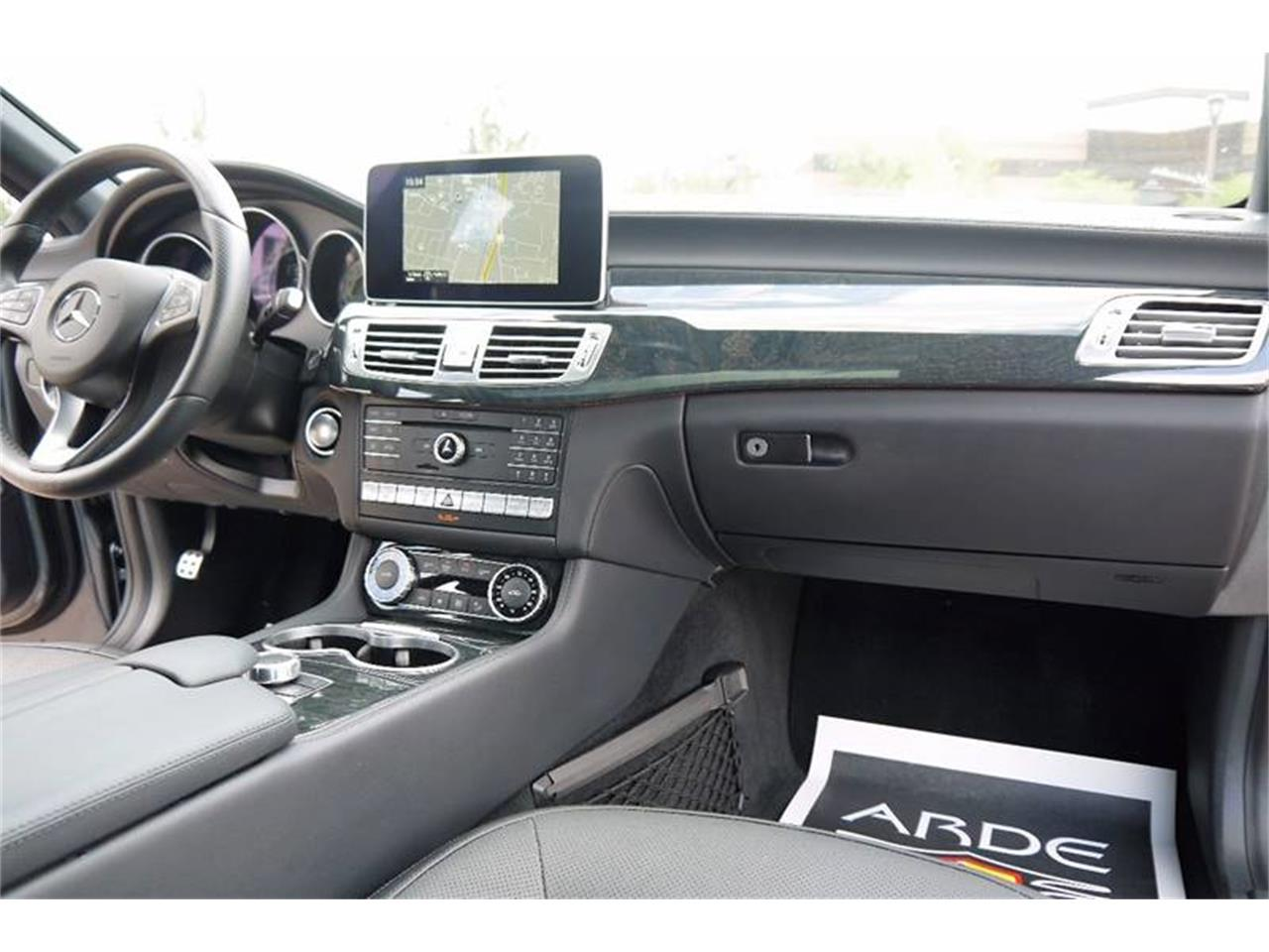 Large Picture of 2016 Mercedes-Benz CLS-Class - LEUE