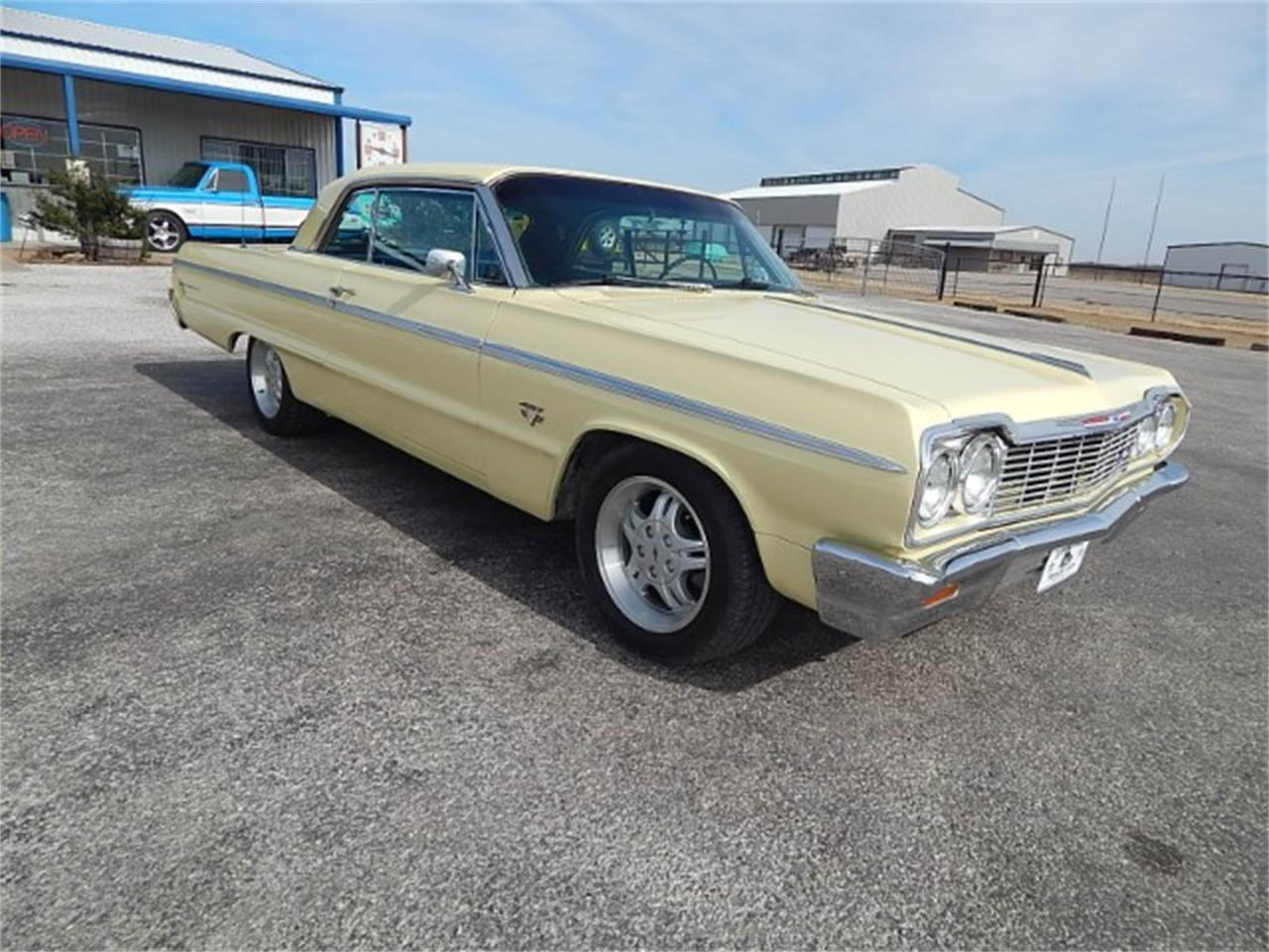 Large Picture of Classic '64 Chevrolet Impala SS located in Texas - $33,900.00 - L8L6