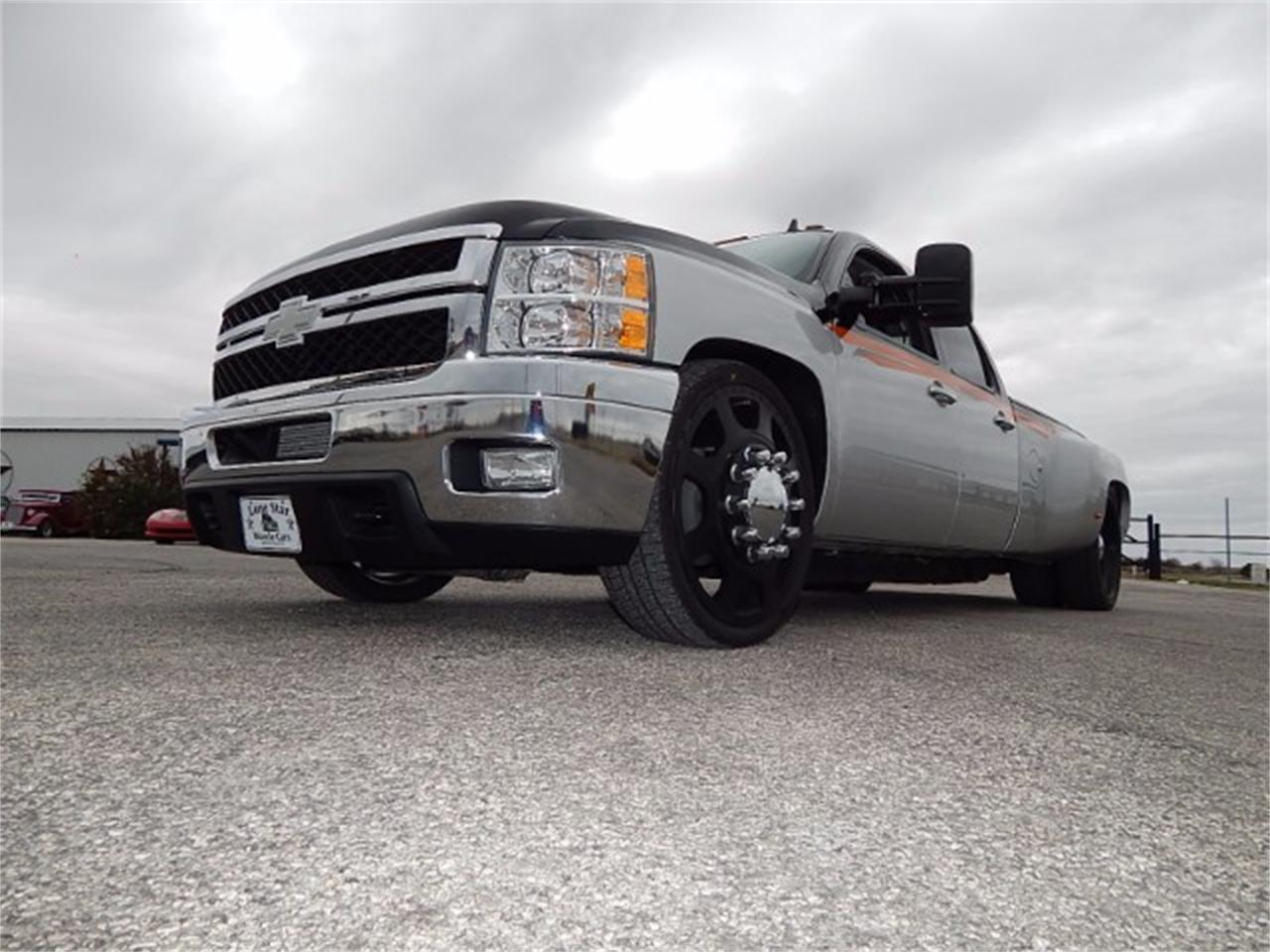 Large Picture of 2011 Chevrolet Silverado located in Wichita Falls Texas Offered by Lone Star Muscle Cars - L8L9