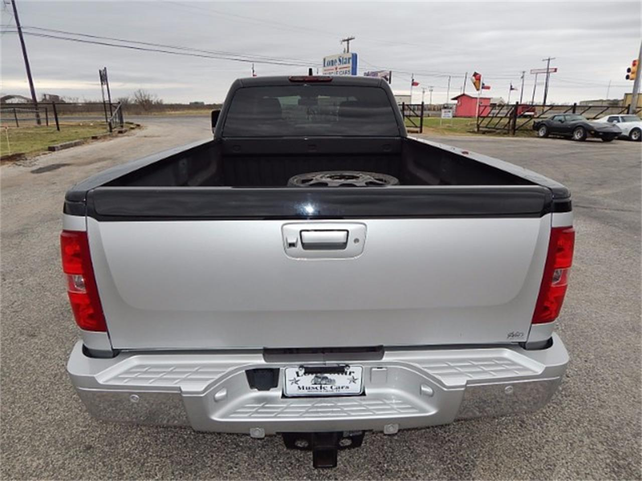 Large Picture of '11 Chevrolet Silverado Offered by Lone Star Muscle Cars - L8L9