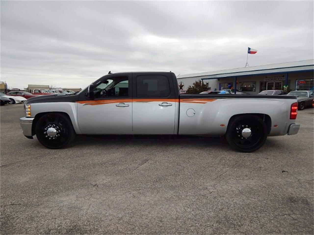 Large Picture of 2011 Silverado located in Wichita Falls Texas - $55,000.00 - L8L9