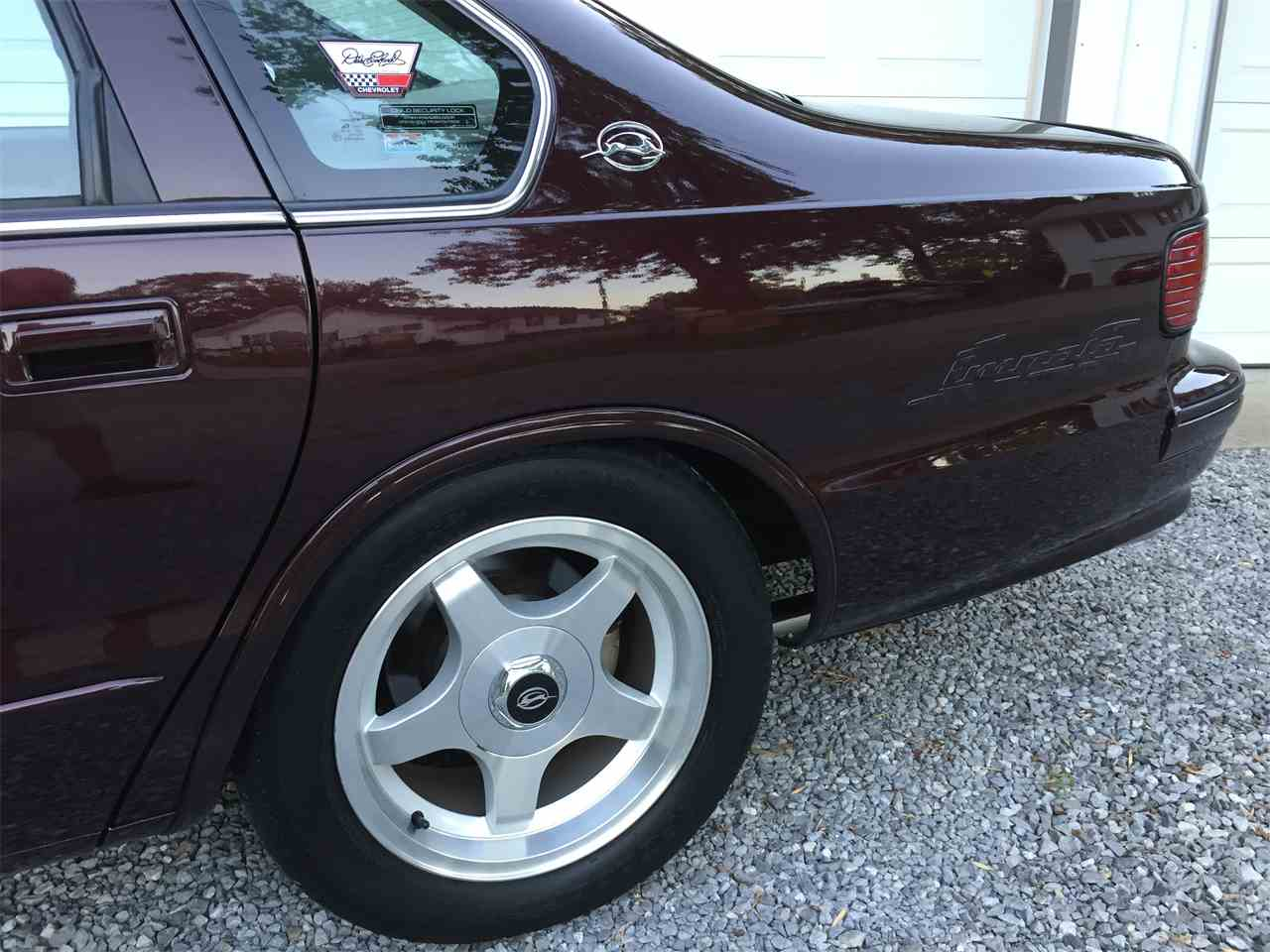 Large Picture of '96 Chevrolet Impala SS located in Eldorado Illinois Offered by a Private Seller - LEX3