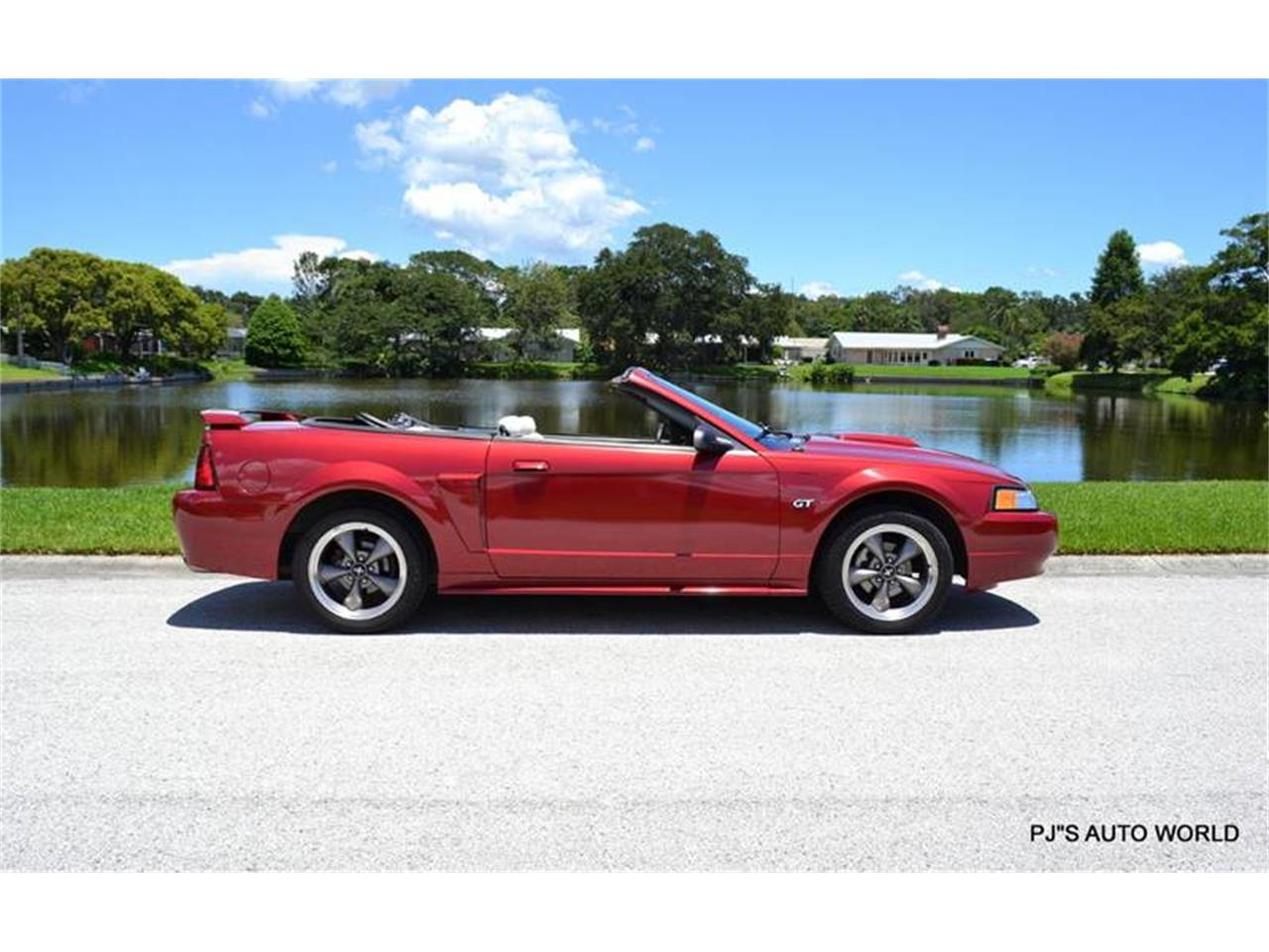 Large Picture of '03 Ford Mustang - $10,900.00 - LEYO