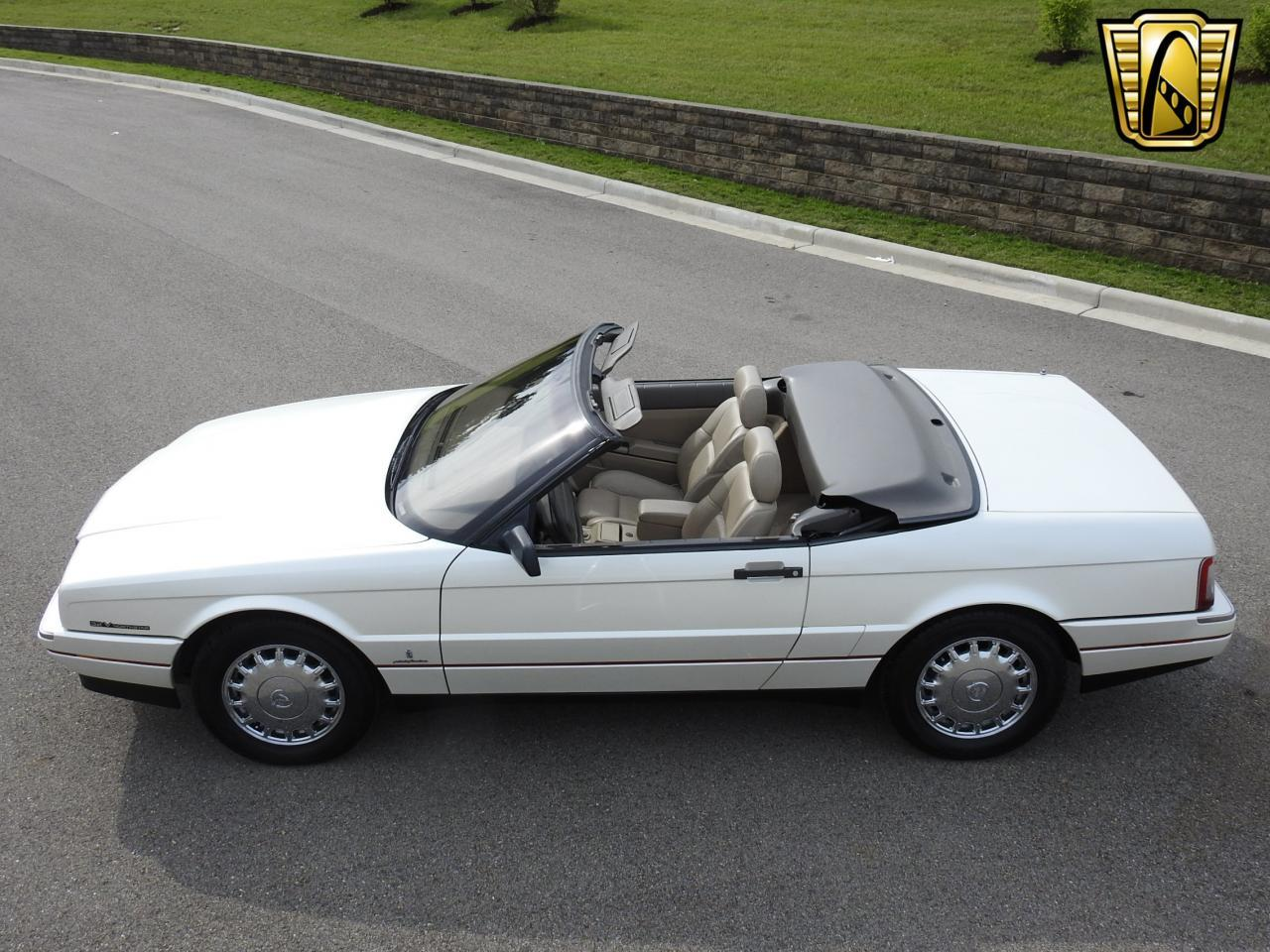 Large Picture of '93 Cadillac Allante located in Kenosha Wisconsin Offered by Gateway Classic Cars - Milwaukee - LF3Y