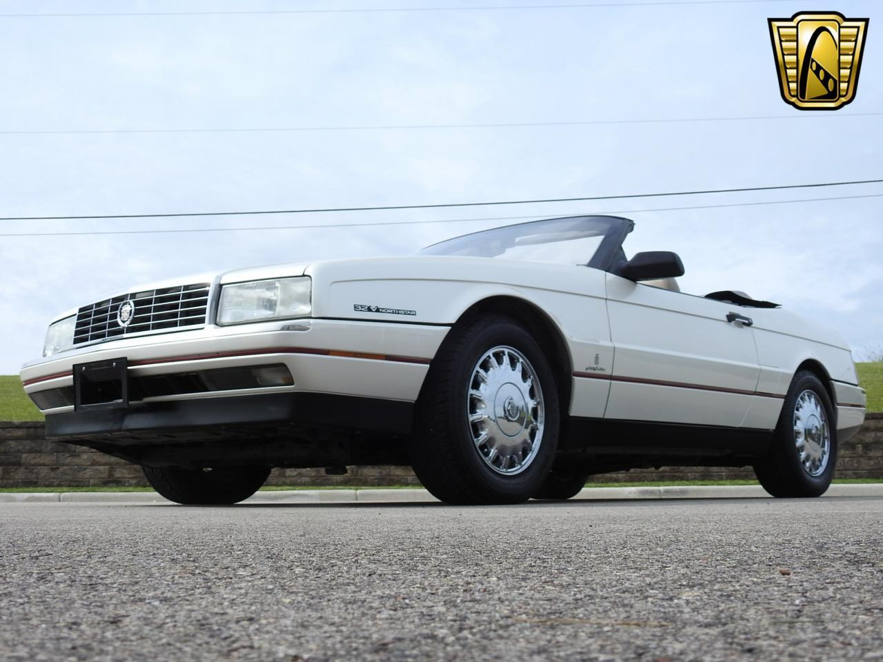 Large Picture of '93 Cadillac Allante - LF3Y