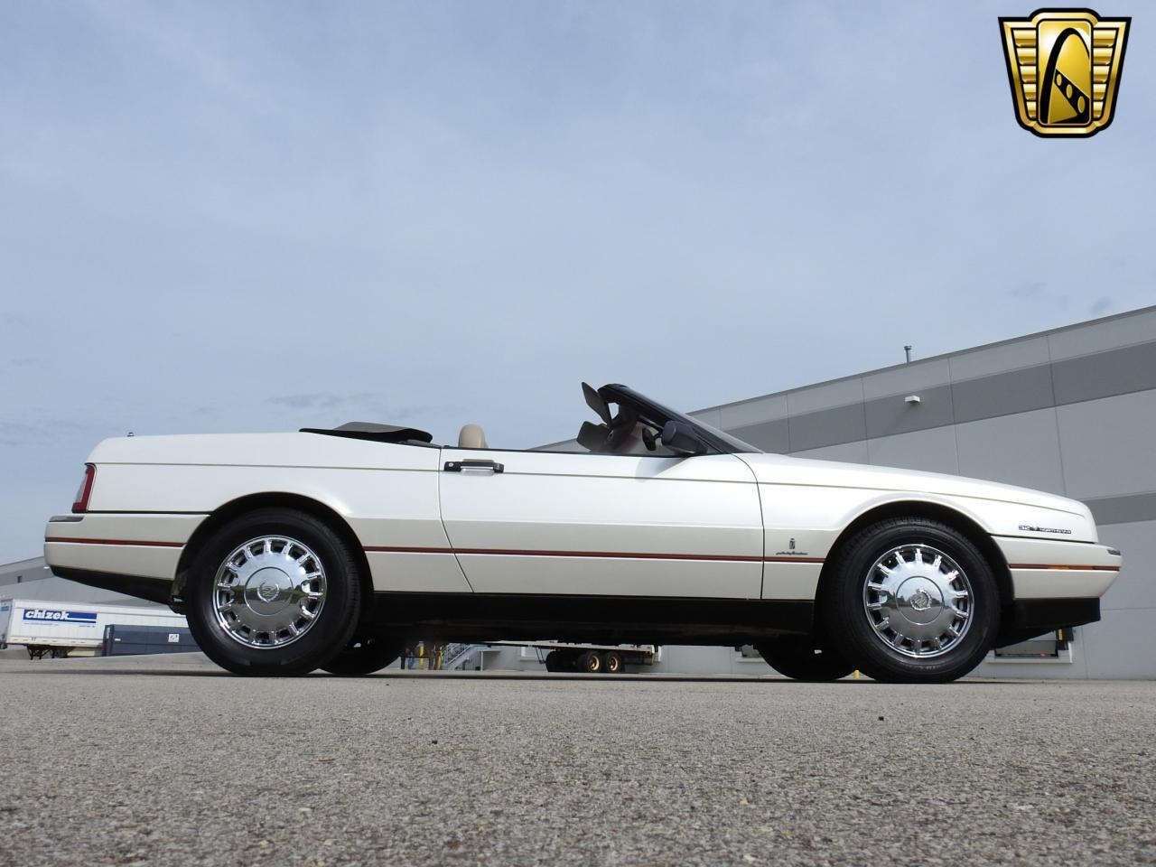 Large Picture of 1993 Allante located in Kenosha Wisconsin - $10,995.00 - LF3Y