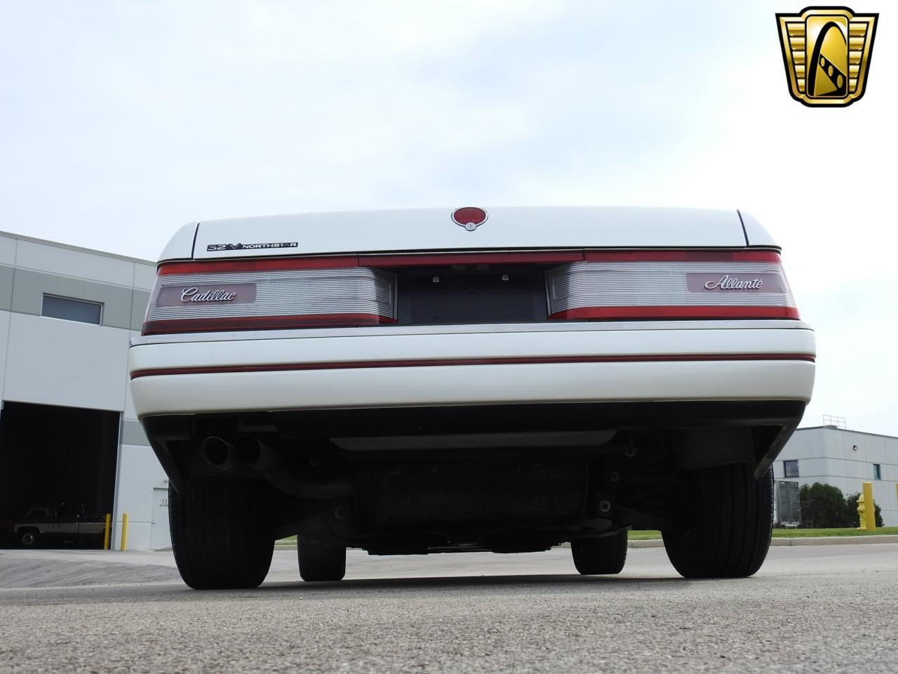 Large Picture of '93 Allante located in Wisconsin Offered by Gateway Classic Cars - Milwaukee - LF3Y