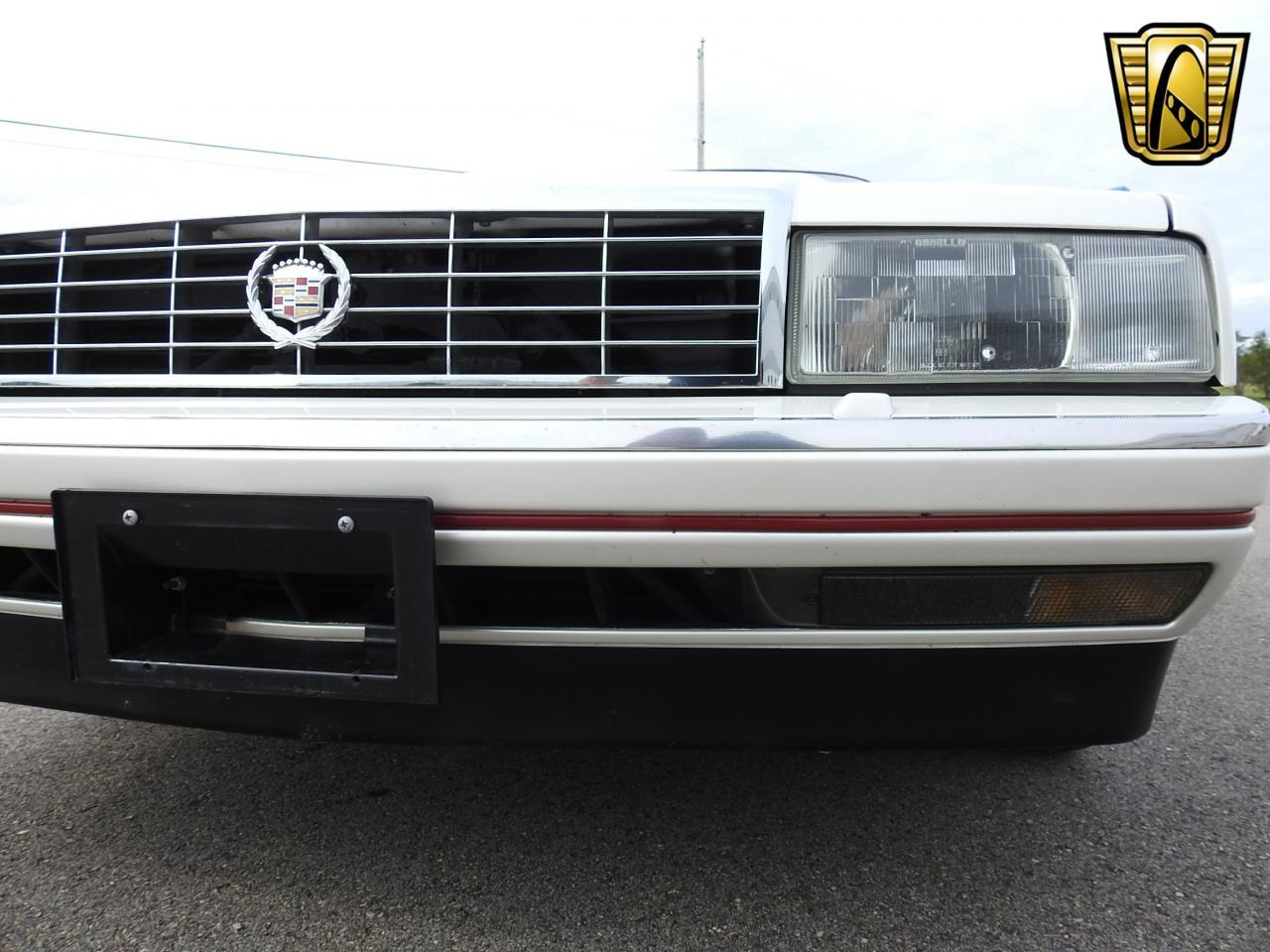 Large Picture of 1993 Cadillac Allante located in Kenosha Wisconsin - LF3Y
