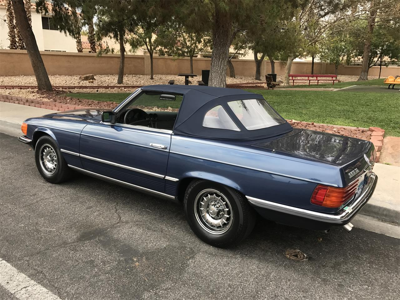Large Picture of 1985 Mercedes-Benz 560SL - LF63