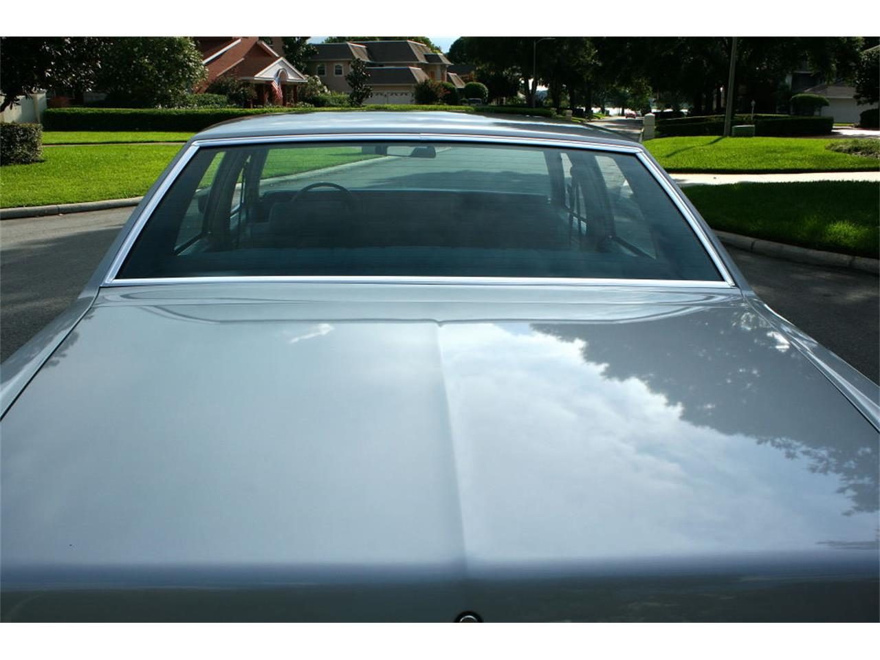 Large Picture of '77 Oldsmobile Delta 88 located in Florida - LFEK