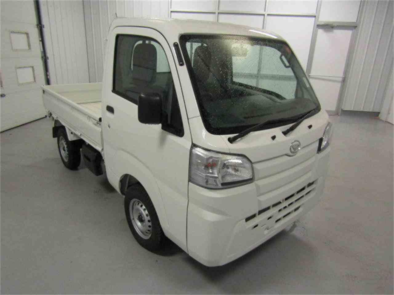 Large Picture of '17 Daihatsu HiJet - LFGO