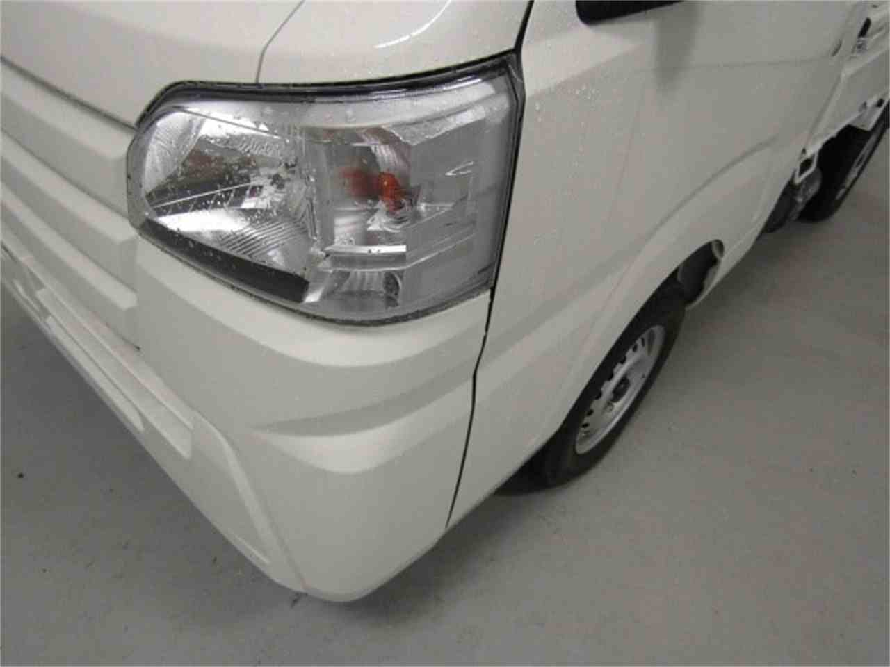 Large Picture of '17 Daihatsu HiJet located in Christiansburg Virginia Offered by Duncan Imports & Classic Cars - LFGO