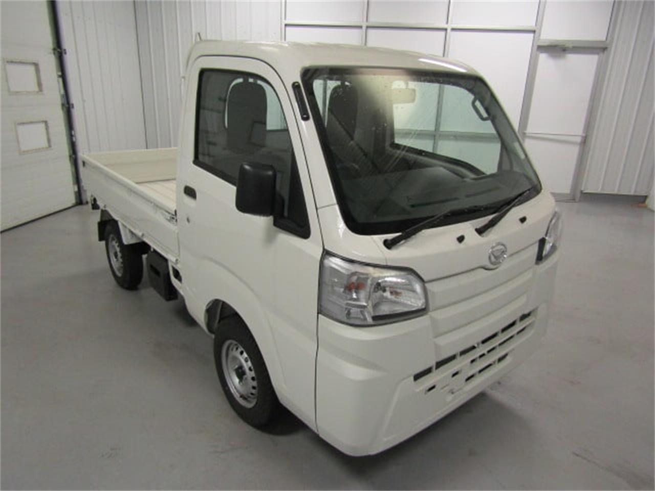 Large Picture of '17 Daihatsu HiJet - LFGT